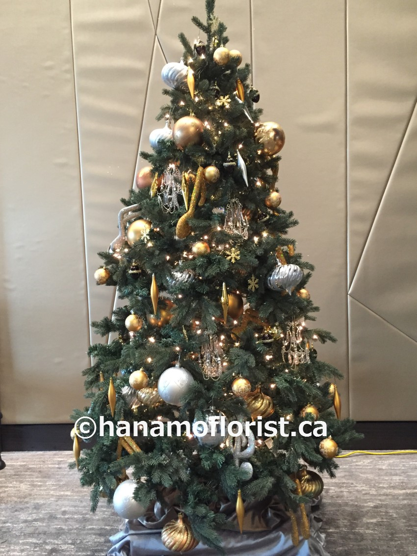 CMAS1222 7 FEET ARTIFICIAL CHRISTMAS TREE DECORATED RENTAL